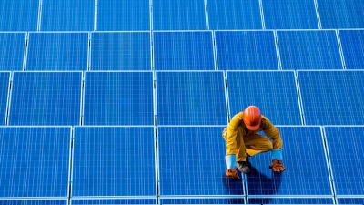 "IEA calls 7% drop in global renewable investment a ""warning signal"""