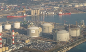 Enagas receives and reloads LNG at Barcelona port