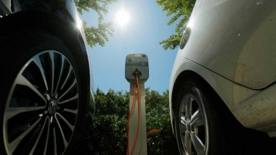 Carrot or stick? Way to incentivise use of electric cars