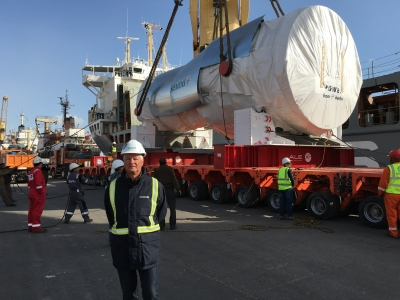 Mr Ullrich in front of Siemens GT in Egypt
